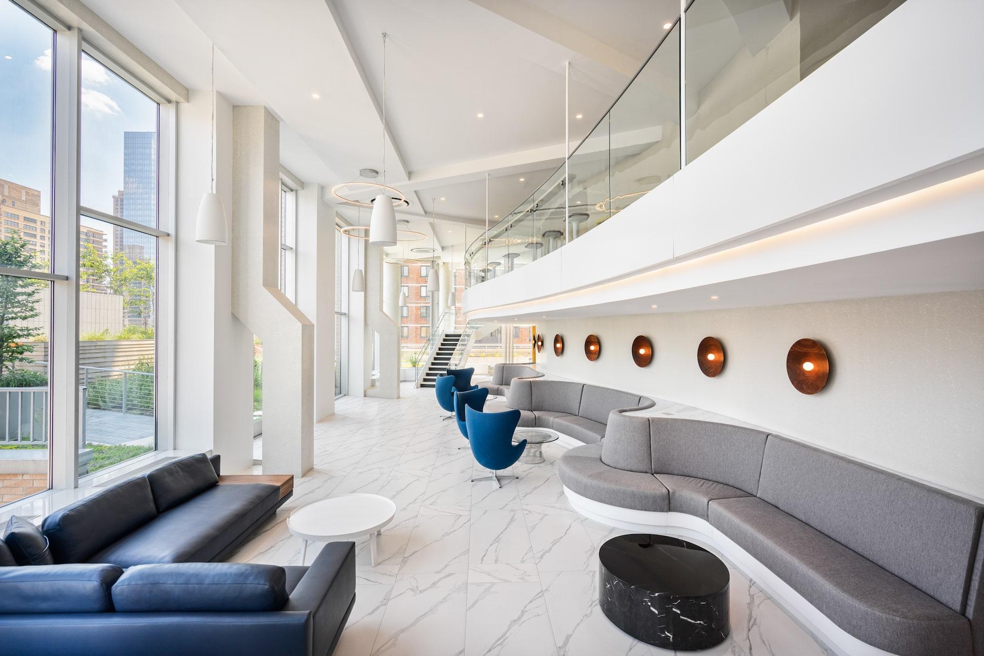 101 West End Avenue Amenities lounge