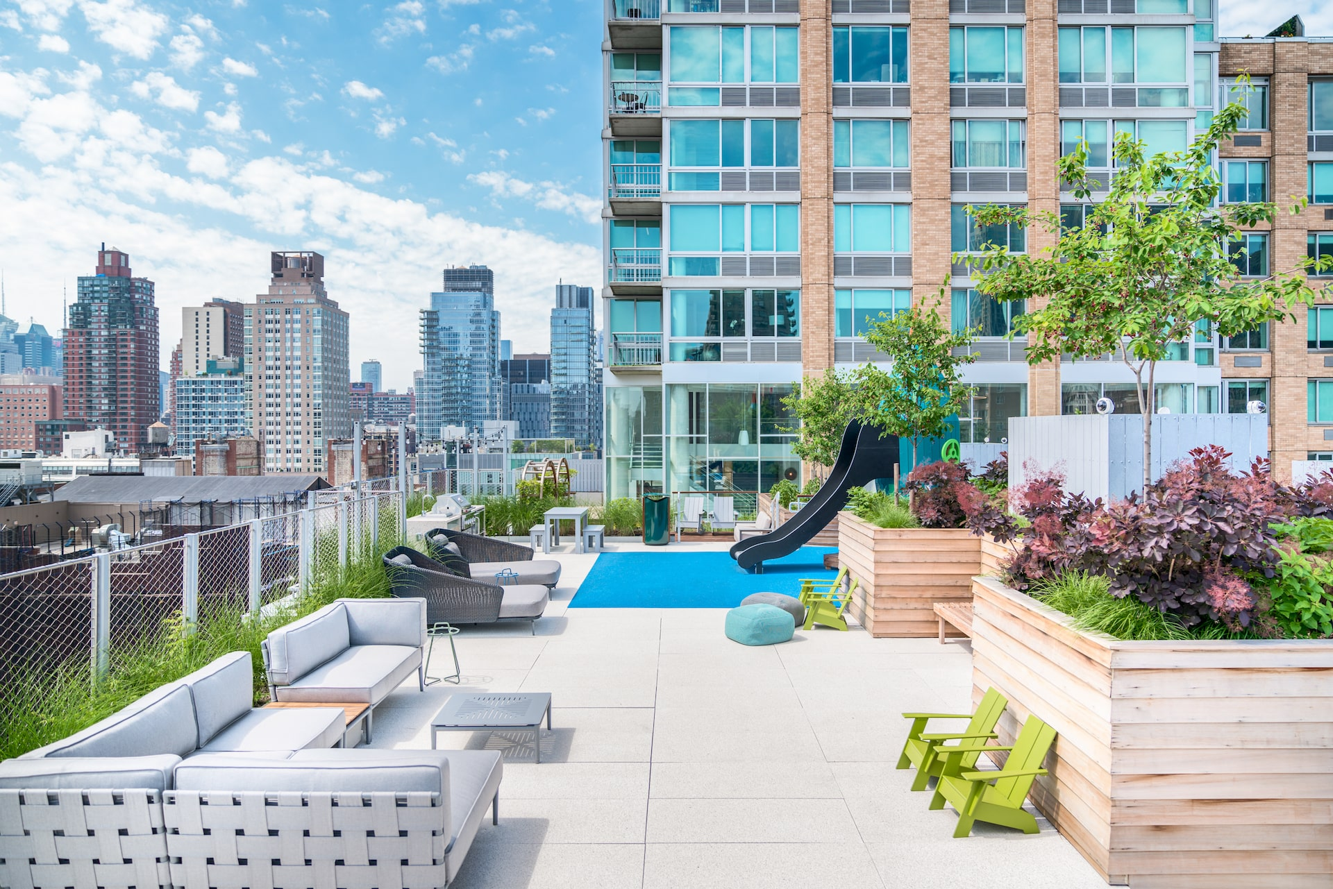 101 West End Avenue Amenities Rooftop playground